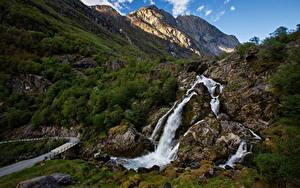 Картинки Норвегия Гора Водопады Утес Briksdalen