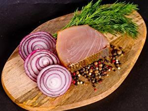 Фото Лук репчатый Пряности Рыба Укроп Разделочная доска Нарезанные продукты