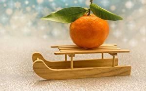 Обои для рабочего стола Апельсин Санки Листва Оранжевых