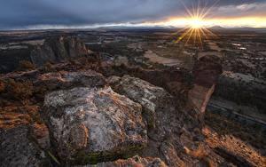 Фотографии Парк Рассветы и закаты Камни Америка Горизонта Лучи света Smith Rock State Park, Oregon Природа