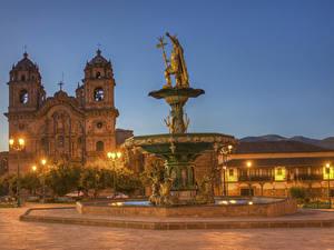 Картинка Перу Здания Храмы Фонтаны Скульптуры Церковь HDRI В ночи Уличные фонари Cusco