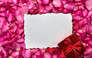 Картинка Лепестки Шаблон поздравительной открытки Подарки Цветы