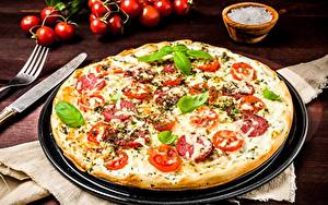 Обои Пицца Помидоры Ножик Тарелке Базилик душистый Пища