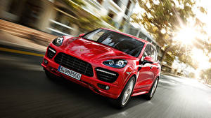 Обои Porsche Спереди Красный Движение Cayenne автомобиль