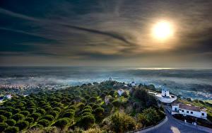 Обои Португалия Замок Здания Тумане Солнце Castelo de Palmela Города