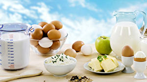 Картинки Творог Молоко Яблоки Мюсли Завтрак Яйца Кувшин