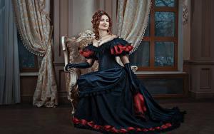 Картинка Ретро Шатенка Платье Сидящие Перчатки