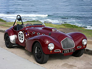 Фотография Винтаж Берег Бордовый Металлик Родстер 1952 Allard K2 Roadster Race Car Машины