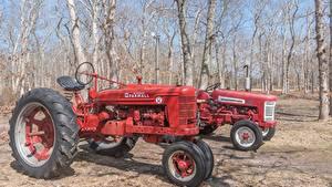 Фото Ретро Трактор 2 Красных Дерево Farmall H машины