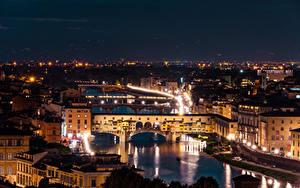Картинка Речка Мосты Италия Флоренция Ночные Arno River, Ponte Vecchio город