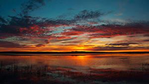 Фотографии Речка Рассветы и закаты Небо Облака Природа