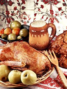 Обои Курица запеченная Яблоки Еда