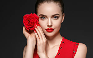Фотография Розы Черный фон Лицо Красные губы Руки Маникюр Девушки