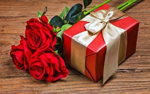 Картинка Розы Коробка Бантики