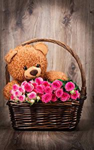 Картинка Розы Плюшевый мишка Корзина Розовый Цветы