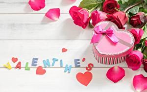 Фотография Розы День святого Валентина Лепестков Английский Слово - Надпись Сердце цветок