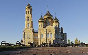 Фото Россия Собор Купол Orel region, Vyatskiy Posad, Church Of The Presentation Of The Lord