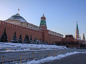 Обои Россия Москва Зима Московский Кремль Стена Ели Городской площади Забор Red square Kremlin город