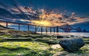 Фотография Шотландия Мосты Побережье Камень Рассветы и закаты Залива HDRI Лучи света Forth Bridge Природа