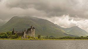 Обои Шотландия Замок Руины Озеро Горы Мха Kilchurn Castle Loch Awe Города Природа