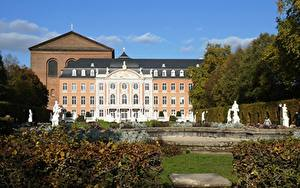Обои Скульптура Германия Памятники Сады Дворец Electoral Palace, Trier, Rhineland-Palatinate