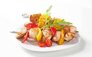 Картинки Шашлык Овощи Белом фоне Тарелка Кетчупа Еда