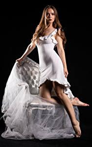 Фотографии Silvy Sirius Модель Платье Смотрят Молодые женщины