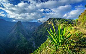 Картинка Небо Гора Франция Облачно Réunion, Cap Noir, Dos d'Ane, Cirque de Mafate Природа