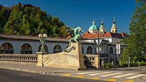 Обои Словения Дома Мосты Храм Скульптура Уличные фонари Ljubljana город