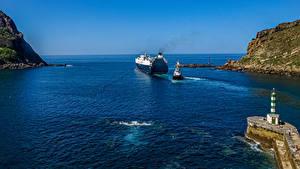 Фотографии Испания Маяк Корабль Заливы Скалы Gipuzkoa Природа