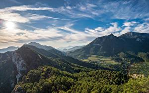 Фотографии Испания Горы Небо Облака Деревья Berga, Catalonia