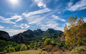 Картинка Испания Горы Небо Деревья Облака Berga, Catalonia