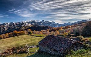Обои для рабочего стола Испания Гора Небо Здания Облачно Краши Asturias, Ponga Природа