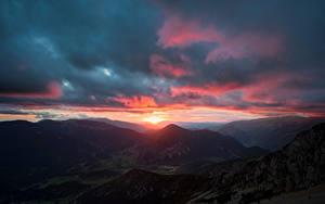 Картинка Испания Горы Рассветы и закаты Облако Pedraforca, Catalonia