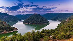 Картинки Испания Река Остров Монастырь Скалы Дерево Sant Pere de Casserres Catalonia Природа