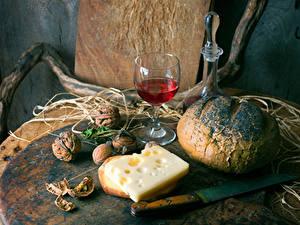 Картинки Натюрморт Хлеб Вино Сыры Орехи Нож Бокал Бокалы