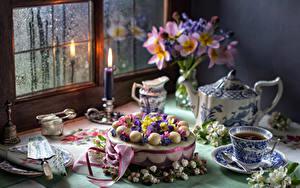 Фотография Натюрморт Торты Букеты Чай Свечи Чашке Окна