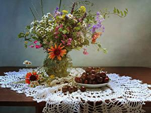Картинки Натюрморт Ромашки Газания Васильки Вишня Вазе Цветы Еда