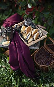 Фото Натюрморт Чайник Выпечка Корзинка Продукты питания