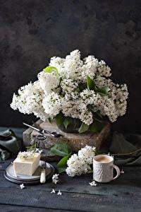 Фотографии Натюрморт Сирень Кофе Капучино Доски Белая Чашке цветок Еда