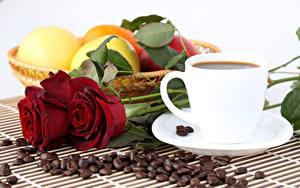 Картинки Натюрморт Розы Кофе Фрукты Чашка Зерна Цветы Еда