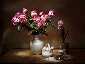 Обои для рабочего стола Натюрморт Роза Гиацинты Сладости Ваза Чашка Цветы Еда