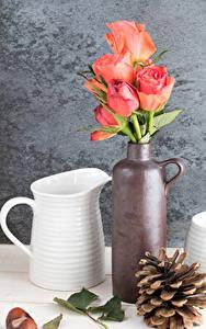 Картинки Натюрморт Розы Ваза Розовый Кувшин Шишки Цветы