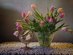 Фотография Натюрморт Тюльпаны Вазы Зеркало Цветы