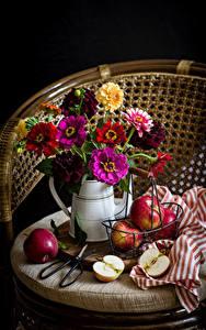 Картинка Натюрморт Циннии Яблоки Цветы
