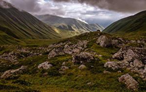 Картинки Камень Гора Грузия Облачно Mzcheta-Mtianeti Природа