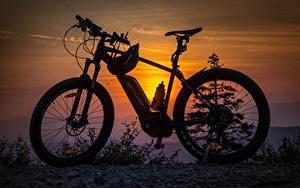 Картинка Рассветы и закаты Велосипеды модель