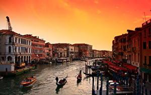 Фото Рассвет и закат Италия Лодки Венеция Водный канал Города