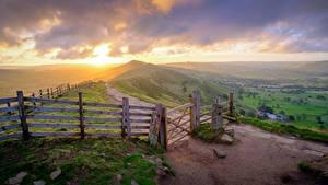 Фотографии Рассветы и закаты Парки Англия Забором Траве Холмы Горизонта Peak-District national Park, Derbyshire Природа