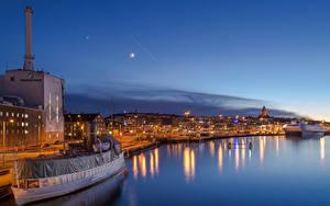 Фотографии Швеция Здания Речка Причалы Корабли Ночные Gothenburg Города